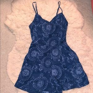 American Eagle tie back patterned romper size 4